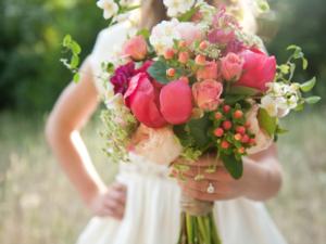 Kwiaciarnia Katowice: Czy dawanie kwiatów jest modne?