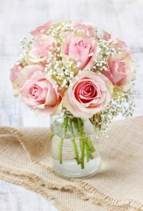 Kwiaty na ślub – jakie podarować Państwu Młodym?