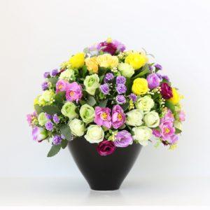 Kwiaty z dostawą – Jak wybrać idealny wazon do kwiatów?
