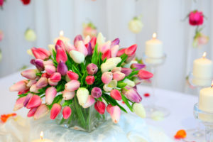 Kwiaciarnia internetowa poleca- prezent na Urodziny