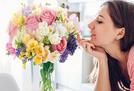 jakie-kwiaty-kupic-zonie-i_dziewczynie